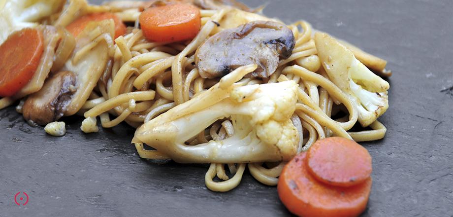 Noodles alle verdure e spezie